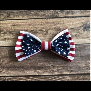 Clip on bow tie